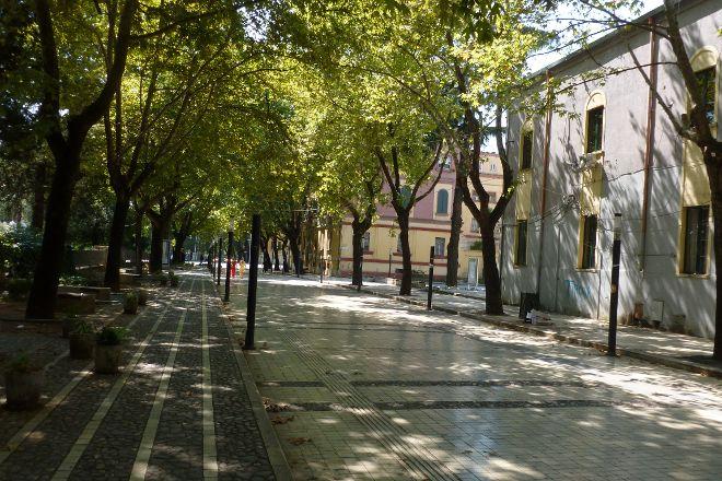 Rruga Murat Toptani, Tirana, Albania