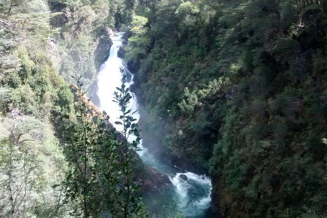 Cascada Chachin - Hua Hum, San Martin de los Andes, Argentina