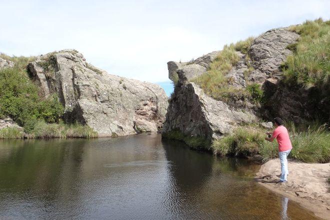 La Quebrada del Condor-Day Trip, Tupungato, Argentina
