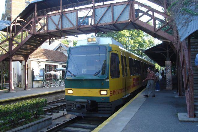 Tren de la Costa, Olivos, Argentina