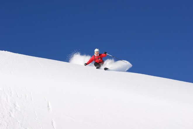 Skischule Kitzbuehel Rote Teufel, Kitzbuhel, Austria