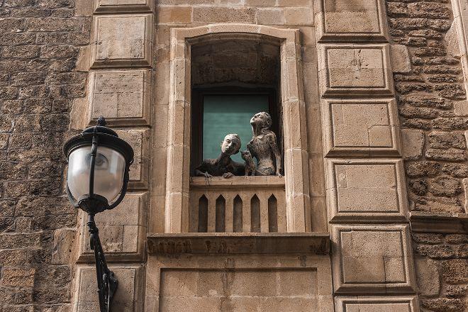 Monument to Lovers and Cats, Baku, Azerbaijan