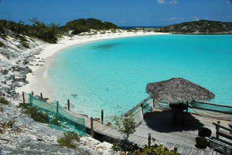 Little San Salvador Island (Half Moon Cay)