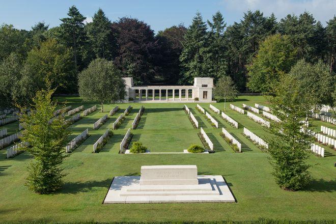 Flanders Battlefield Tours, Ieper (Ypres), Belgium