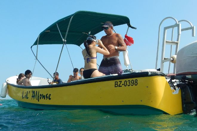 Lil Alphonse Snorkeling, San Pedro, Belize