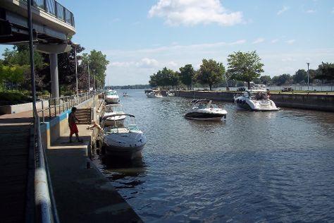 Sainte-Anne-de-Bellevue Canal, Sainte-Anne-de-Bellevue, Canada