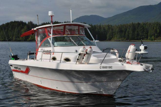 Hot Pursuit Salmon & Halibut Charters, Ucluelet, Canada
