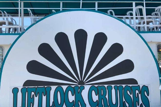 Liftlock and The River Boat Cruises, Peterborough, Canada