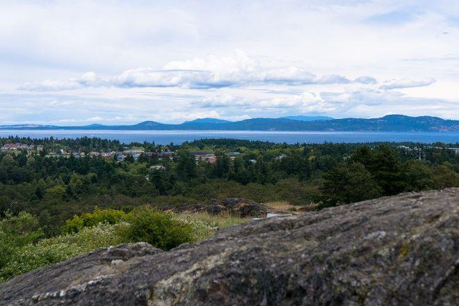 Mount Tolmie Park, Victoria, Canada