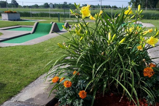 Silver Tee Golf & Virtual Gaming, Windsor, Canada