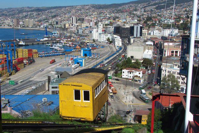Ascensor Artilleria, Valparaiso, Chile