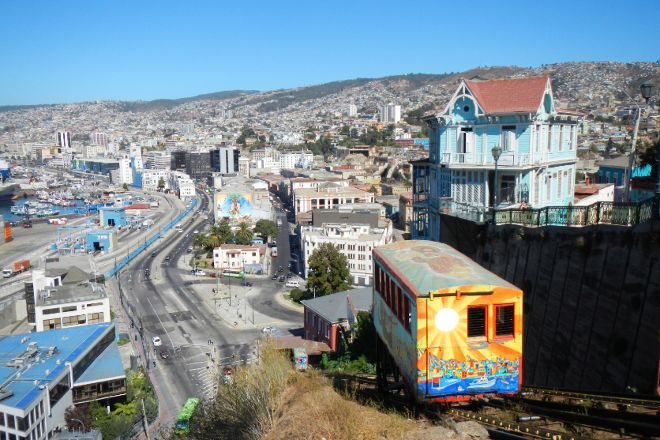 Valp'Otop Tours, Valparaiso, Chile