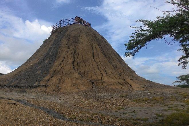 Volcan de Lodo El Totumo (Mud Volcano), Cartagena, Colombia