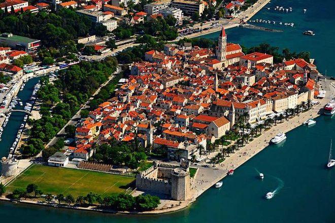 Emaus Tourist Guide Trogir, Trogir, Croatia