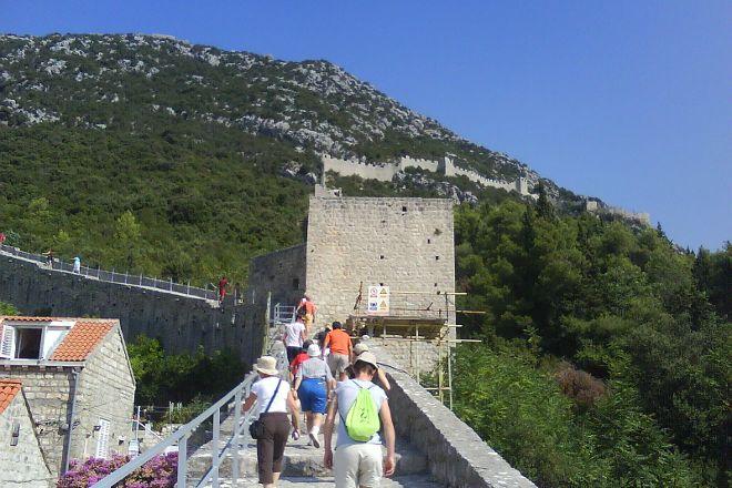 Stonske zidine - Ulaz, Ston, Croatia