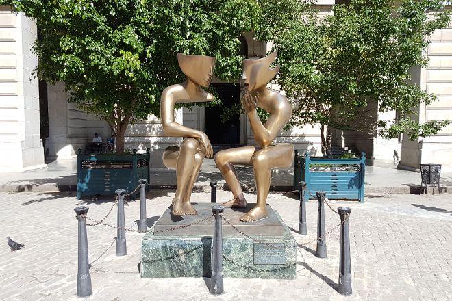 Sculpture Conversation, Havana, Cuba