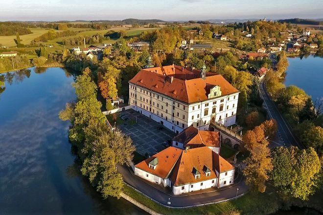 Zamek Lnare, Lnare, Czech Republic