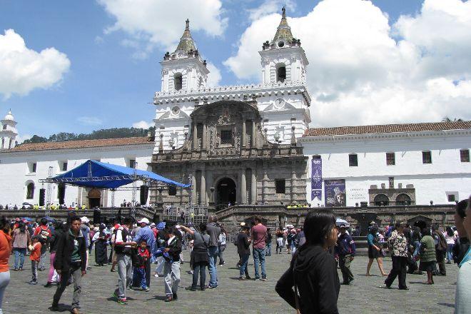 EQ Touring, Quito, Ecuador