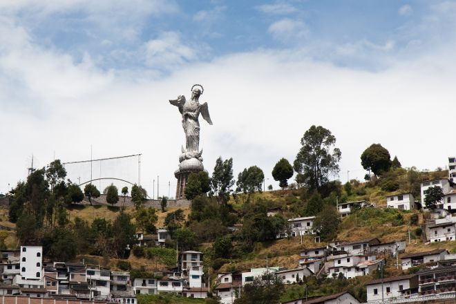 La Virgen del Panecillo, Quito, Ecuador