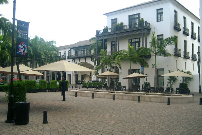 Plaza Lagos, Guayaquil, Ecuador
