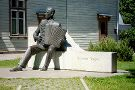 Statue of Raimond Valgre