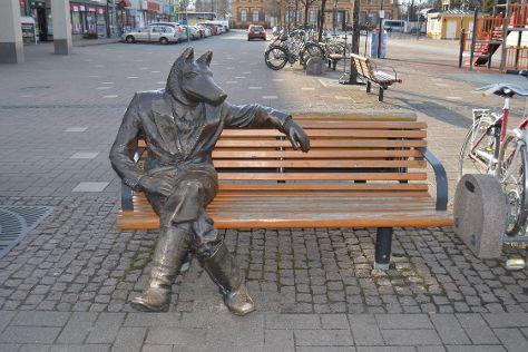 Sculpture Susi Kosiomatkalla, Joensuu, Finland
