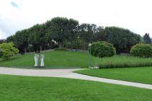 Parc de la Butte-du-Chapeau-Rouge, Paris, France