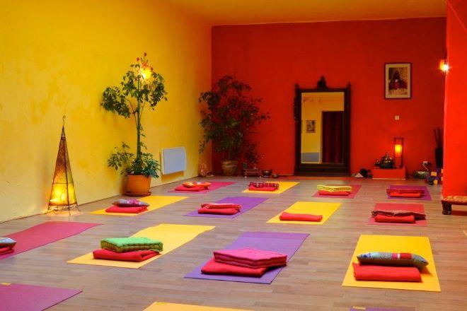 Academie de Hatha yoga, Marseille, France