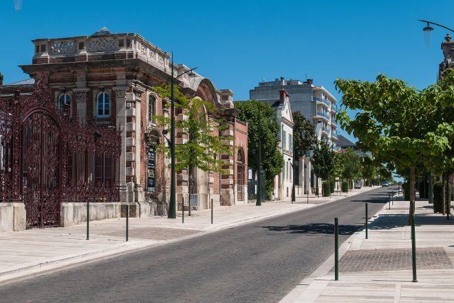 Avenue de Champagne, Epernay, France