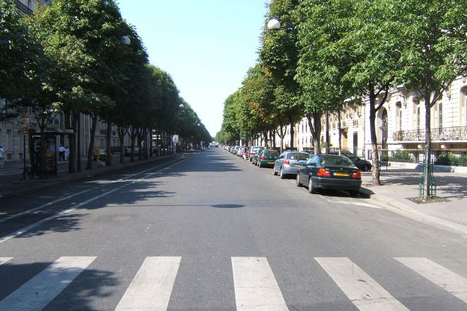 Avenue Montaigne, Paris, France