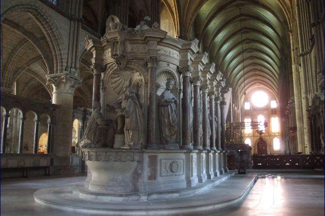 Basilique Saint-Remi, Reims, France