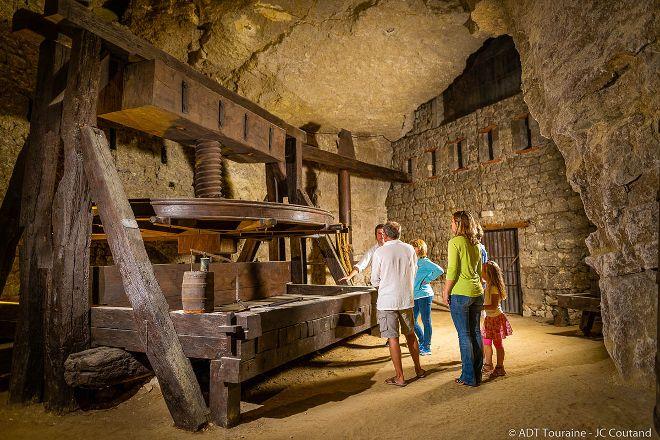 Cave de la Dive Bouteille, Bourgueil, France