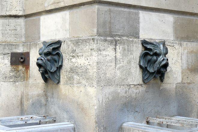 Fontaine des Quatre Saisons, Paris, France