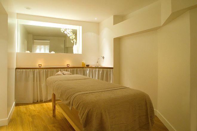 Institut MassaG & Aesthetic, Paris, France