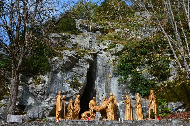 Le Via Crucis/ Way of the Cross/ Chemin de Croix, Lourdes, France