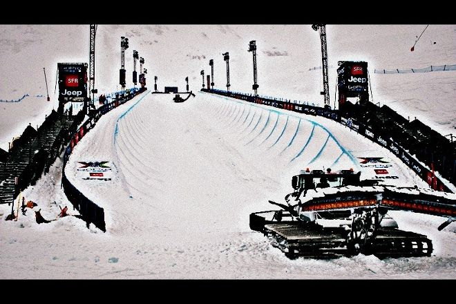 Mayhew Snowboarding, Tignes, France