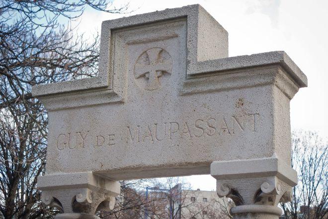 Monument a Guy de Maupassant, Paris, France