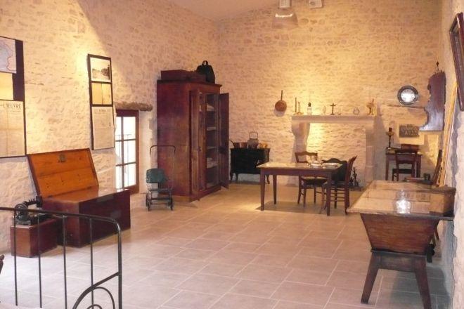 Musee Engrangeons la Memoire, Anse, France
