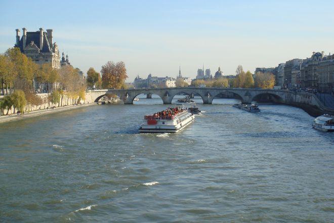 Passerelle Leopold-Sedar-Senghor, Paris, France
