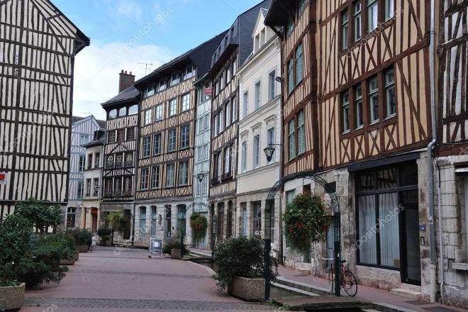 Rue Eau de Robec, Rouen, France