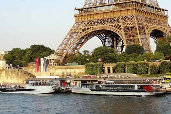 The Champagne Cruise, Paris, France