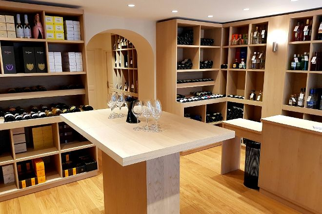 Wine Shop Flacons Divins, Antibes, France