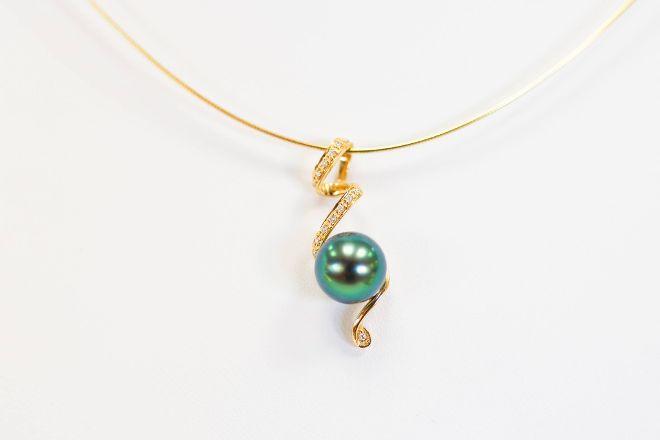 Deep Sea Pearls, Bora Bora, French Polynesia
