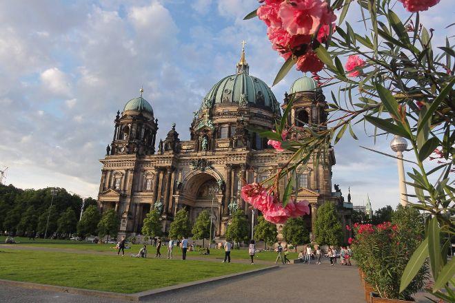 Berlin 2 Europe Tours, Berlin, Germany
