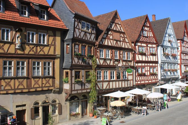 Hauptstrasse mit Fachwerkhauszeile, Ochsenfurt, Germany