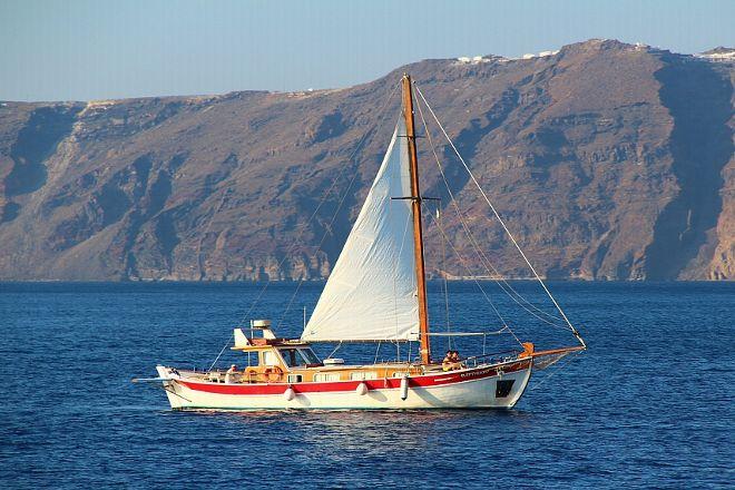 Captain George Santorini Yachting, Vlychada, Greece