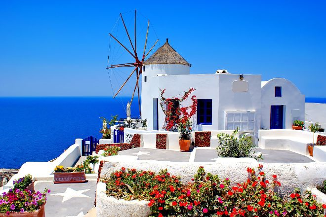 the White, Santorini, Fira, Greece