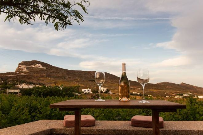 Wine Bar Merkouri, Folegandros, Greece