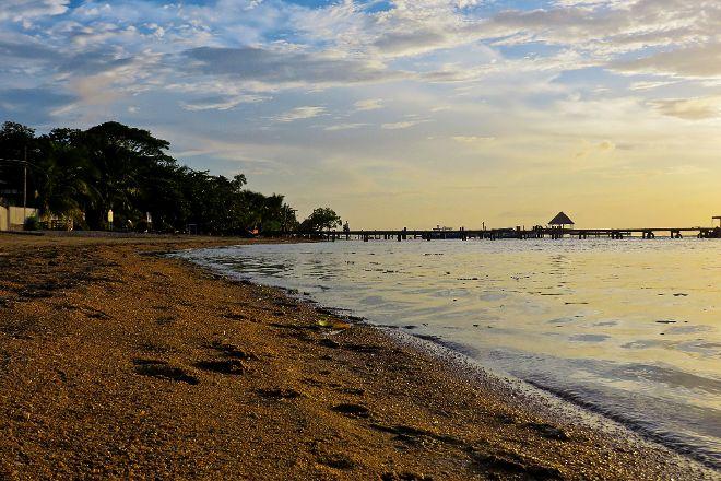 Sandy Bay Beach, Sandy Bay, Honduras
