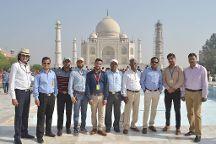 Taj Mahal Tour Guide Family Group